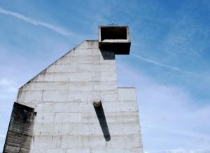Le Corbusier - klasztor Sainte Marie de La Tourette (Francja)